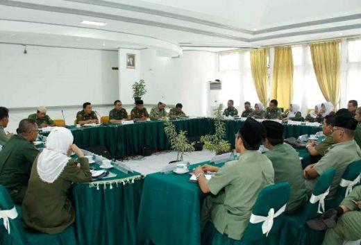 Hari Pertama Kerja, Sekda Kota Padang Panjang Bertemu Kepala SKPD