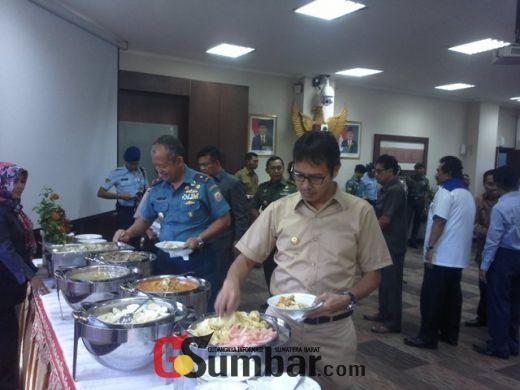 Coffe Morning DPRD dan Forkopimda Sumbar, Gubernur Kembali Mengajak Mari Bersama Bangun Sumbar
