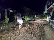 Pasca Banjir Bandang Hujan Terus Turun, Warga Koto Sani Kabupaten Solok Dihantui Banjir Susulan