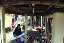 Kebakaran di Gadut, Rumah dan Mobil Guru SMAN 2 Tilatang Kamang Hangus