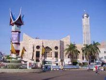 jelang-ramadhan-di-padang-pedagang-direlokasi-masjid-taqwa-bertambah-asri