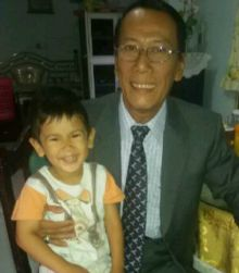 Usia 66 Tahun, Budayawan Harris Effendi Tahar Rayakan dengan Pesta Nasi Bungkus Sama Anak dan Cucu