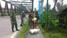 Danramil Kubung Fasilitasi Suku Anak Dalam yang Tersasar di Selayo