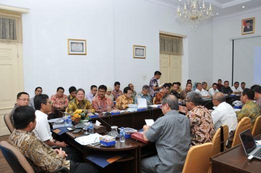Komisi XI DPR RI Berkunjung ke Sumatera Barat, Gubernur Laporkan Inflasi dan Angka Kemiskinan