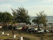 Sehari Jelang Ramadhan, Pantai, Lubuk dan Pemakaman Ramai Dikunjungi Warga di Kota Padang