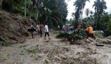 Tertimbun Longsor, Akses Jalan Padang Pariaman ke Agam Sempat Terputus