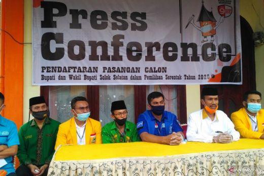Hanya Dihadiri Wakil Saat Mendaftar, Bakal Calon Bupati Solok Selatan Khairunas Positif Covid-19
