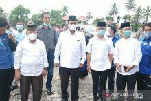 Bupati Limapuluh Kota Irfendi Arbi antar Bapaslon Sahladi-Maskar ke KPU