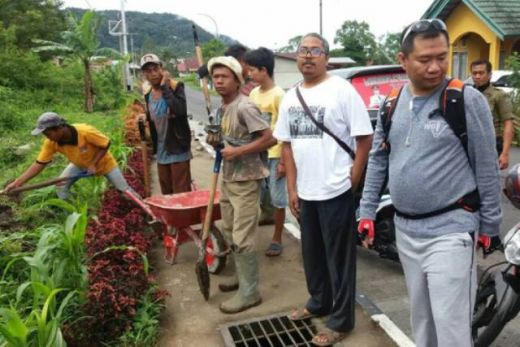 Bersihkan Lingkungan, Warga Kampung Teleng Padang Panjang Adakan Goro