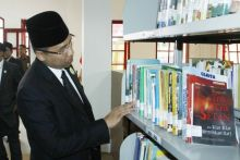 perbanyak-pengetahuan-wako-hendri-arnis-ajak-masyarakat-kunjungi-perpustakaan