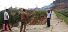 Jalan Menuju TPA Sawahlunto Ambruk Sepanjang 40 Meter