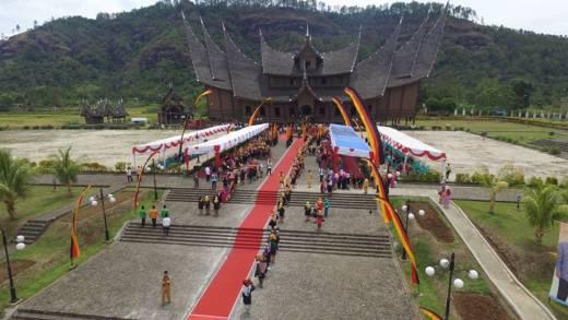 Istana Basa Pagaruyung Menuju Ikon Pariwisata Nasional