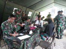 Usai Latihan Pratugas, Satgas Yonif 131/Brajasakti Gelar Pengobatan Gratis di Solok Selatan