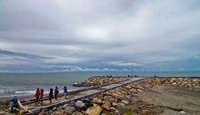 Qatar Lirik Kawasan Wisata Pantai Padang