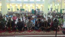 Gerimis dan Kabut Warnai Shalat Gerhana di Kabupaten Solok