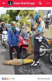 Viral, Cerita Tukang Sapu Lidi dan Anggota Polisi dari Polres Bukittinggi