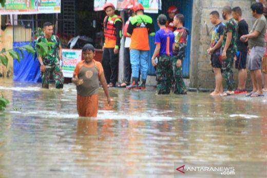 Banjir Genangi Ratusan Rumah di Padang