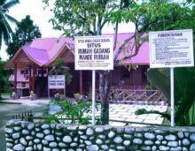 Rumah Gadang Mande Rubiah di Kecamatan Lunang, Pesisir Selatan