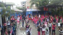Pagi Ini Sedang Berlangsung Senam Sehat Bersama Kompak Fans Club di Lapangan Parkir Tahu Lembang Resto