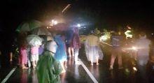 Jembatan di Kayu Tanam Ambruk, Lintas Padang-Bukittinggi Malam Ini Lumpuh Total