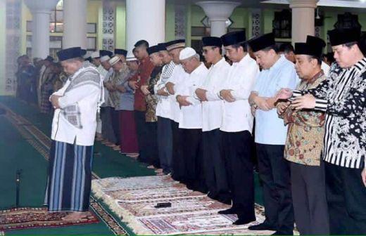 Ditunjuk Jadi Imam Shalat Tarwih Presiden Jokowi, Camat Pauh Wardas Tanjung Mendapat Tekanan Mental Luar Biasa Berat