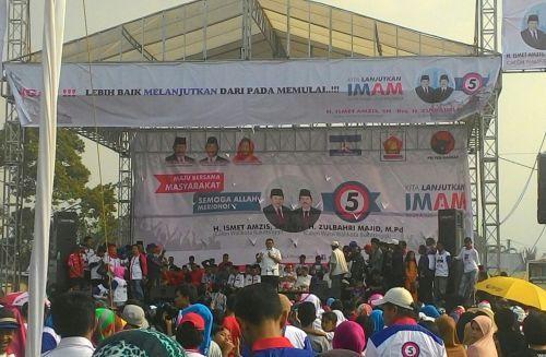Fadli Zon Sampaikan Salam Prabowo Subianto pada Masyarakat Sumbar saat Rapat Umum Paslon Cawako IMAM