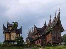 Indonesia Undang Pelancong Malaysia untuk Nikmati Wisata Halal di Sumbar, Aceh dan Lombok