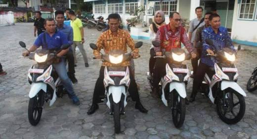 48 Unit Sepeda Motor Dinas Dibagikan Kepada Petugas Pustu di Mentawai