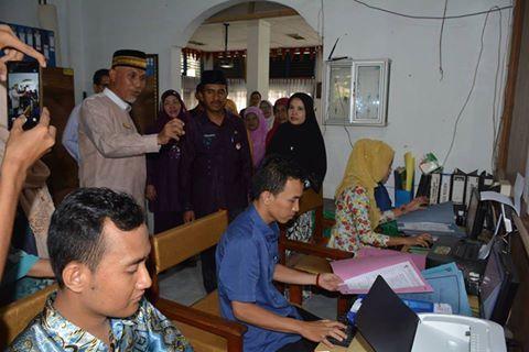 Walikota Padang Tinjau Pelaksanaan PSB Online