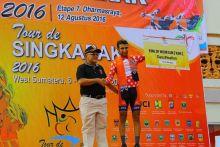 Pebalap Australia Saxon Irvine Menangi Etape VII Tour de Singkarak
