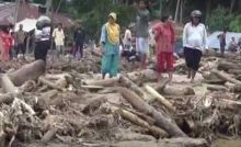 Batal ke Limapuluh Kota, Wagub Nasrul Abit Kunjungi Warga Korban Banjir dan Longsor di Pasaman