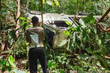 Mobil Terjun ke Jurang Sedalam 20 Meter di Kelok 4 Agam, Penumpang Meninggal