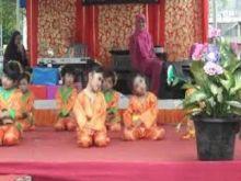 Murid-murid TK Raudhatul Jannah Payakumbuh Tampilkan Kesenian Minang di Seminar PAUD Internasional di Malaysia