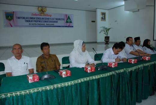 Empat Sekolah Sehat Padang Panjang Dinilai Tim Provinsi Sumbar
