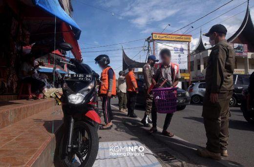 Langgar Aturan Protokoler Covid - 19, Puluhan Pelanggar Perda AKB di Padang Panjang Diberikan Sanksi