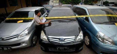 Pelaku Penggelapan Mobil Rental Ini Diamankan Polres Bukittinggi
