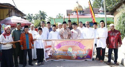 Hadiri Khatam Quran, Wabup Dharmasraya Bantu TPQ At Taqwa Rp5 Juta
