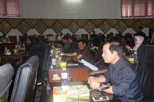 DPRD Padang, Pengamat Ikut Pertanyakan Nasionalisme Wako Mahyeldi