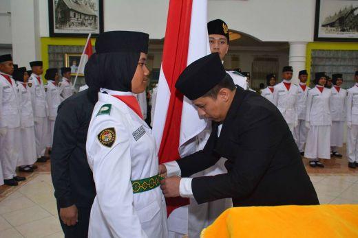 65 Pasukan Pengibar Bendera Bertugas di Kota Padang Panjang
