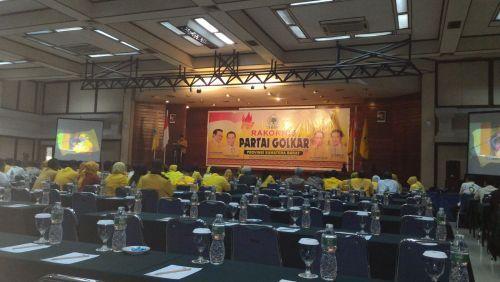 Agung Laksono Hadiri Rakornis Partai Golkar Sumbar, Kubu Ical: Kami Tidak Diundang