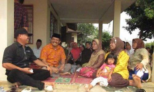 Yunirwan Khatib Rajin Turun Siang-Malam, Jumpai Petani dan Datangi Korban Kebakaran