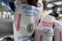 Prajurit TNI di Pariaman Gagalkan Penyeludupan 7 Ton Pupuk Bersubsidi