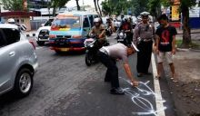 Ketabrak Saat Menyeberang Jalan di Padang, Juru Parkir Meninggal