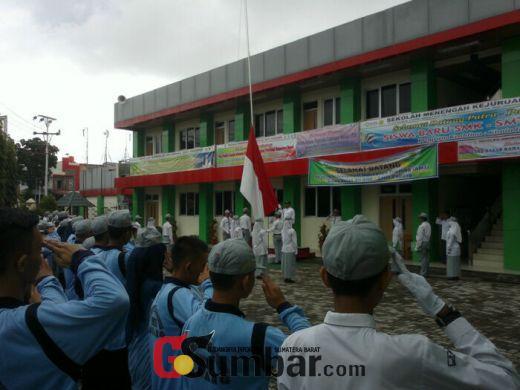 Lakukan PLS, SMK SMTI Padang Gembleng Disiplin Siswa Bekerjasama dengan Secata Padang Panjang