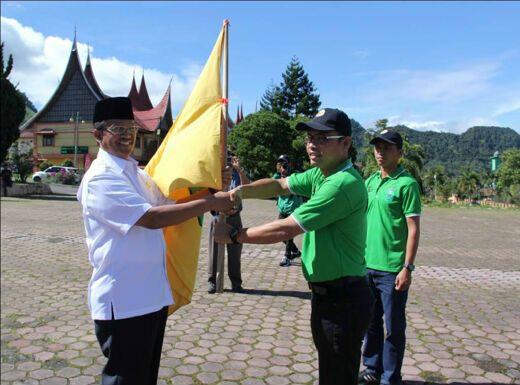 Bupati Solok Lepas Kontingen ke Porprov XIV Sumbar di Padang