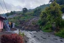 Dua Rumah di Nagari Aie Dingin Solok Tertimbun Akibat Longsor