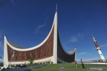 Kejati Tahan Tersangka Penyelewengan Dana Infak Masjid Raya Sumbar