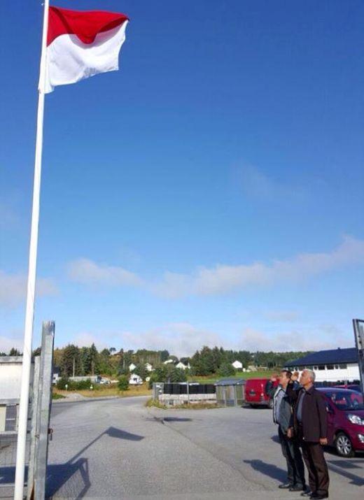 Bukti Nasionalisme, Di Hari Kemerdekaan RI ke-71, Walikota Padang Hormat Bendera di Trondheim