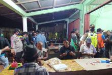 Tim GTP2C Agam Amankan 78 Warga Duduk Santai di Warung saat PSBB