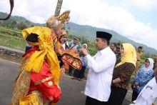 Diterima Walikota Hendri Arnis, LPSE Kota Padang Panjang Kembali Raih National Procurement Award (NPA) 2016